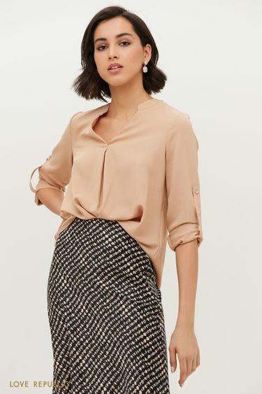 Свободная блузка бежевого цвета с V-образным вырезом 1152059350