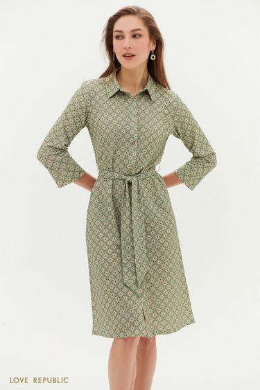 Зелёное платье с поясом и графичным принтом 1152138574