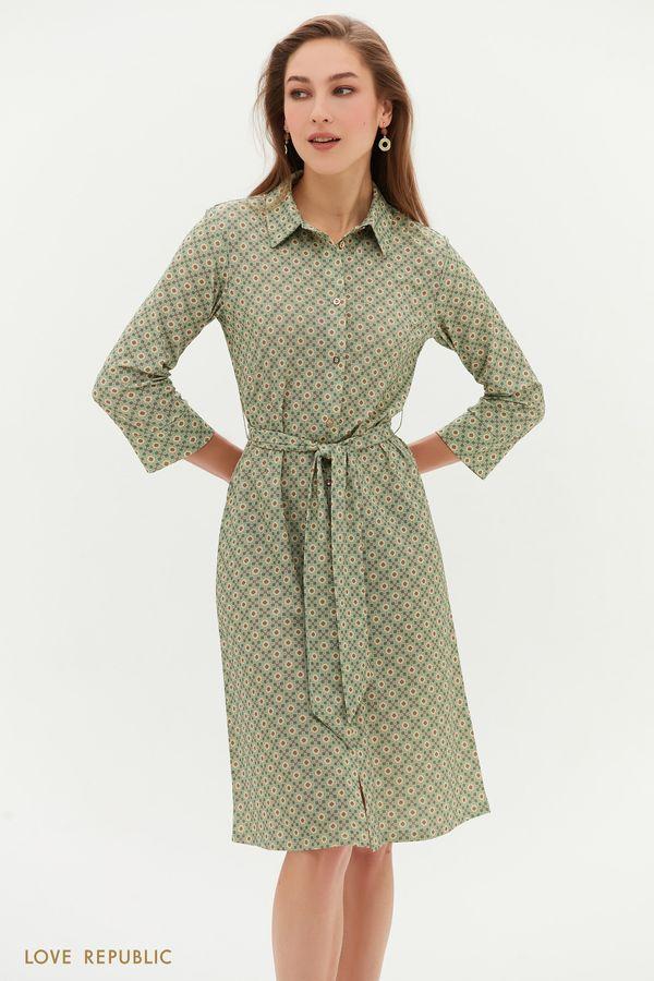 Зелёное платье с поясом и графичным принтом 1152138574-15