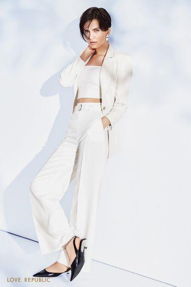 Широкие брюки молочного цвета с поясом 1152205709
