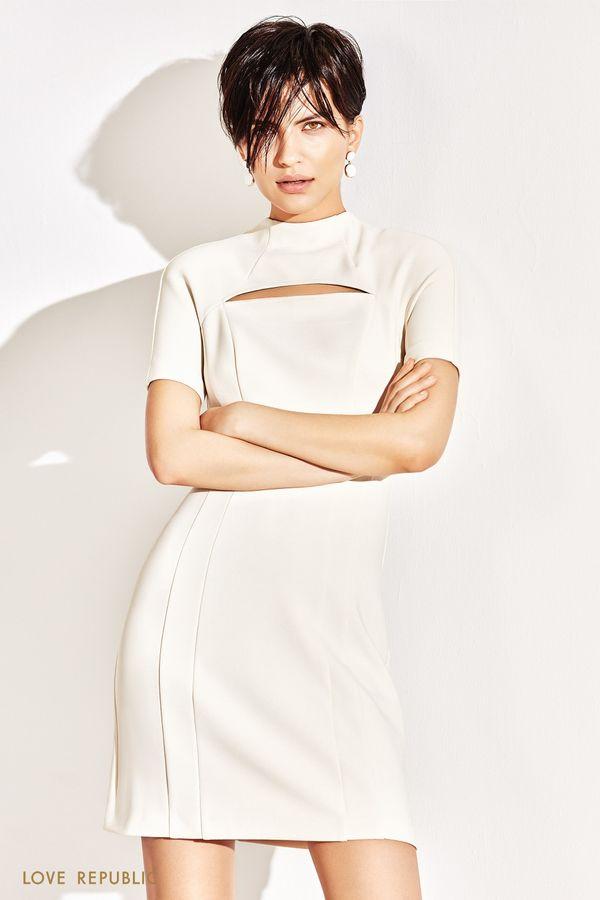 Платье мини со стильным разрезом на груди 1152238557-61