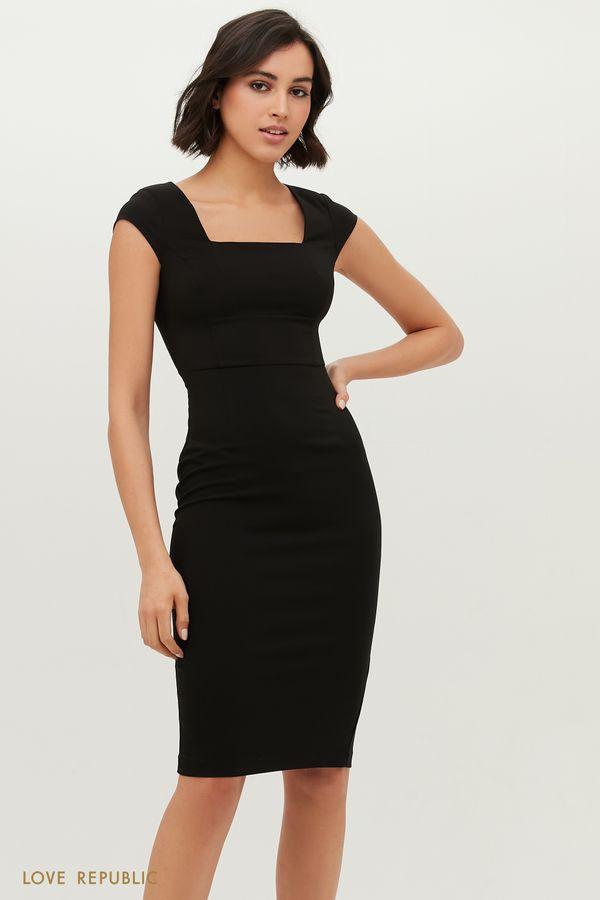 Приталенное платье без рукавов с широким вырезом на груди 1152258577-47
