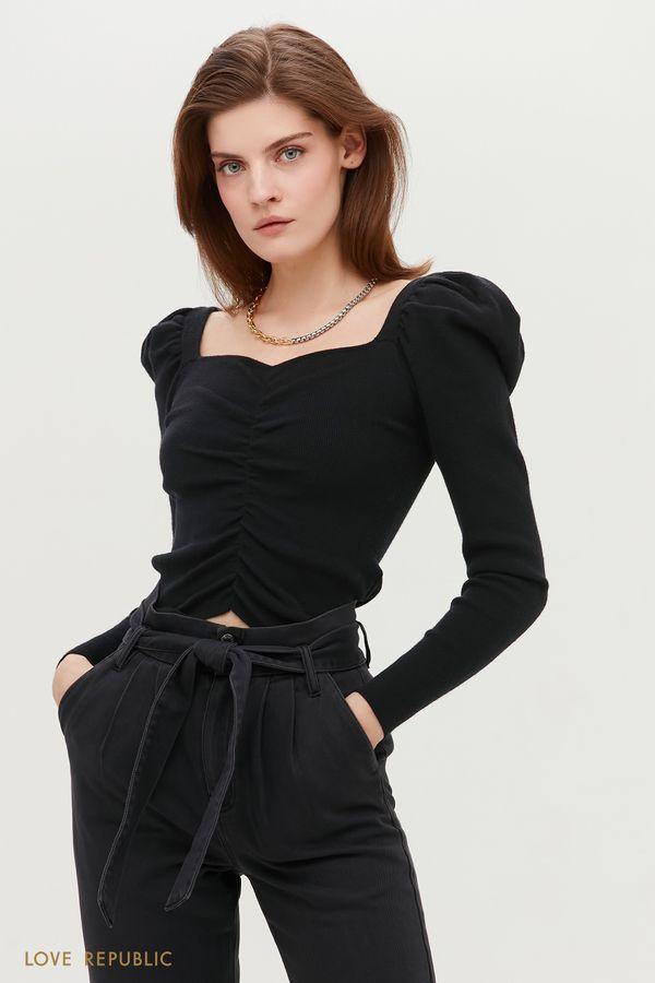 Серая приталенная блузка с акцентными плечами 1152310809-38