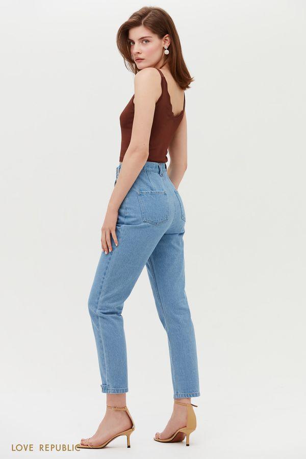 Голубые джинсы с завышенной талией и декоративными элементами 1152435742-102