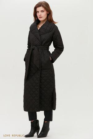 Чёрное стёганое пальто с поясом и объёмными лацканами