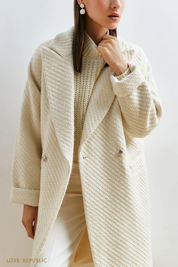Пальто молочного цвета со спущенным плечом 1152509103-60