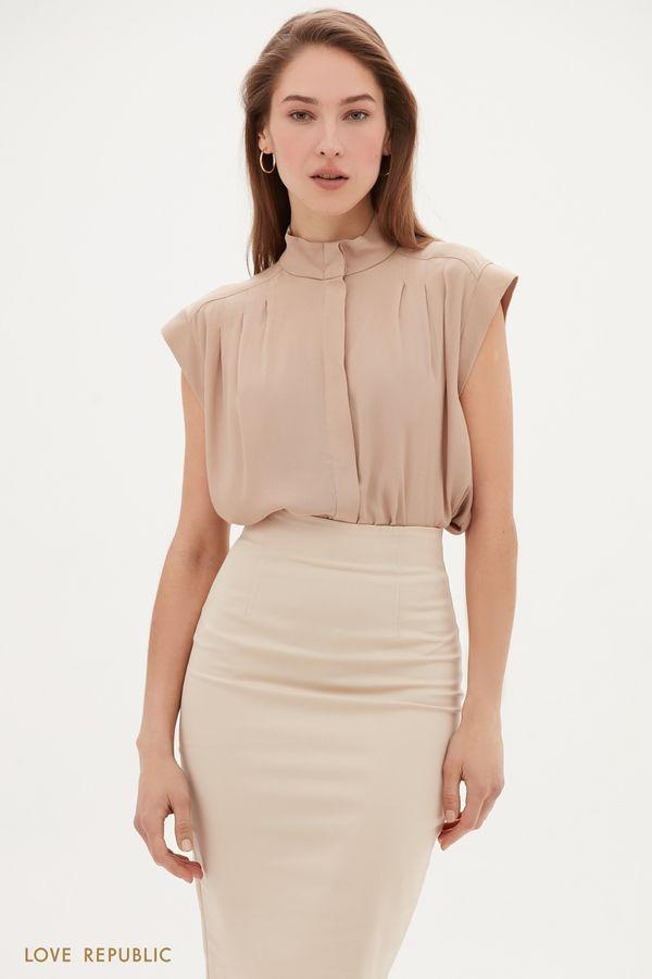 Блузка из вискозы с защипами на плечах 1153016305-93
