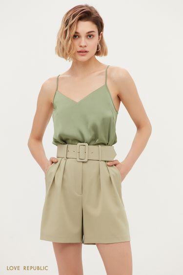Короткие шорты с защипами и широким ремнем 1153222750