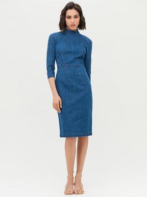 Джинсовое платье с воротником-стойкой