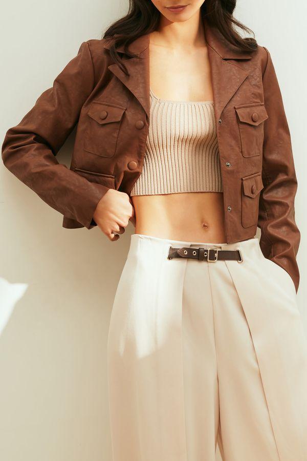 Укороченная куртка-косуха из фактурной экокожи 1153522113-28