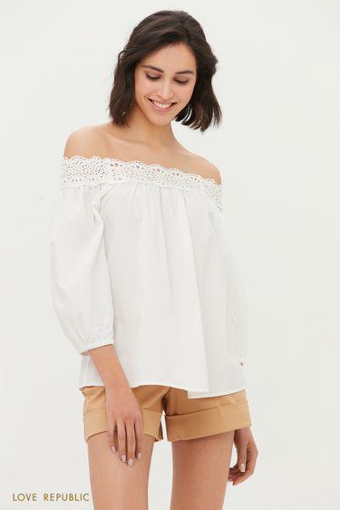 Блузка с открытыми плечами и вышивкой ришелье 1254013308