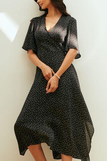 Атласное платье с асимметричным подолом 1254022525