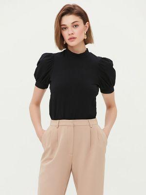 Трикотажная блузка с рукавами-фонариками