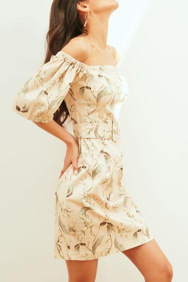 Цветочное платье с открытыми плечами 1254253563