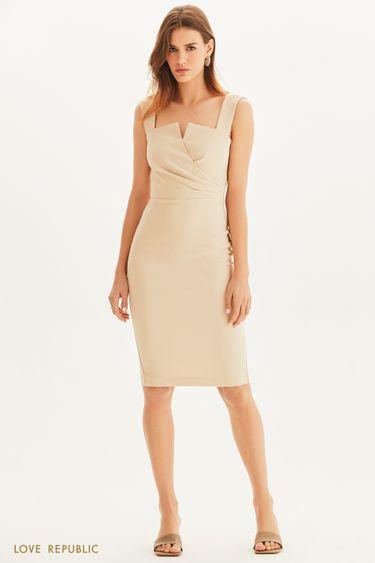 Элегантное платье с акцентным кроем 1255267586