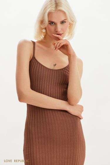 Трикотажное платье в рубчик на тонких бретельках 1255307577
