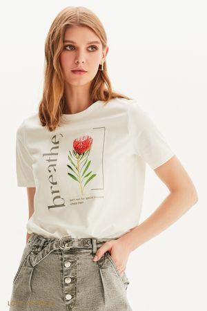 Белая футболка цветочным принтом