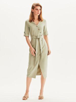 Платье на запах с черепаховыми пуговицами
