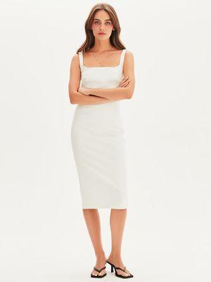 Базовое платье-футляр