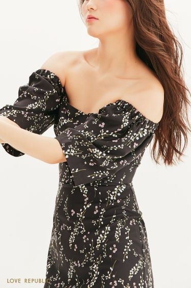 Платье-футляр с открытыми плечами 1357216516