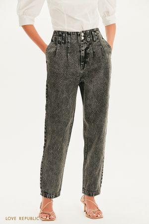 Прямые джинсы свободного кроя