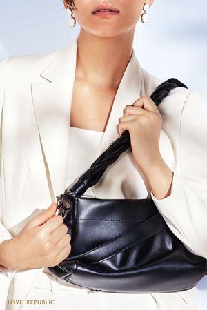 Объемная сумка с трендовой плетеной ручкой