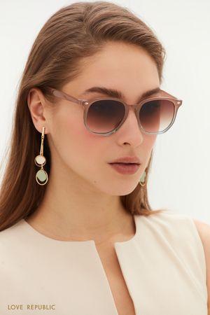 Круглые солнцезащитные очки в роговой оправе