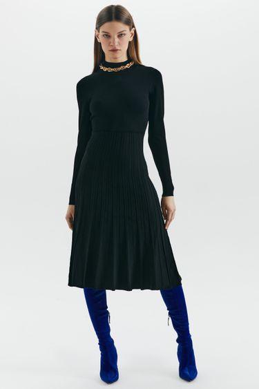 Приталенное трикотажное платье миди 1450351516