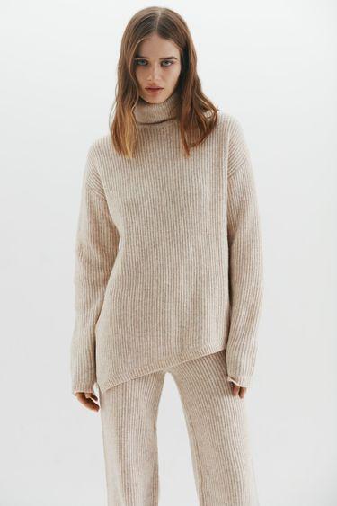 Асимметричный свитер объемного кроя 1450359840