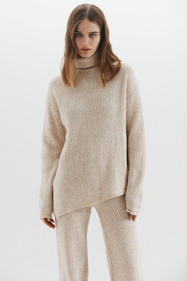 Асимметричный свитер объемного кроя 1450359840-61