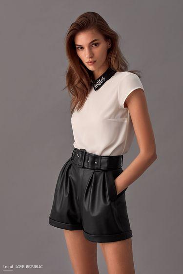 Блузка с декорированным воротником 9358005325