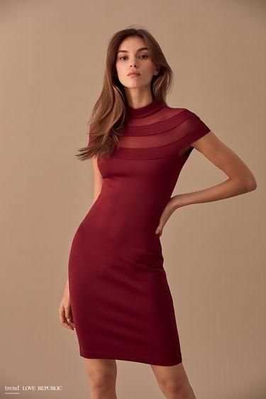 Платье-футляр с высоким воротником 9358069527