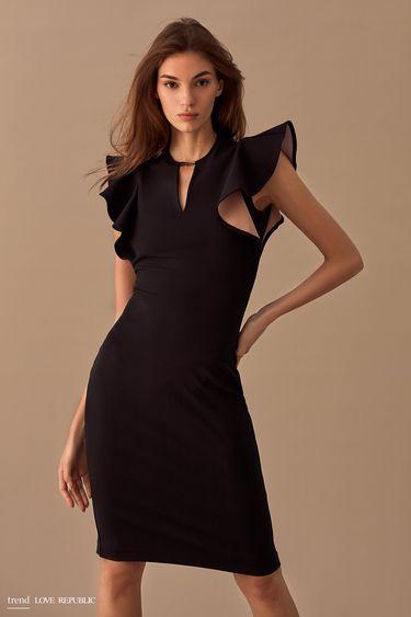 Платье с объёмными драпировками на плечах 9358077564