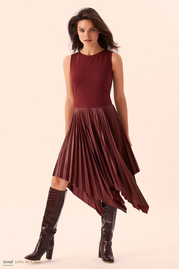 Платье без рукавов с асимметричной юбкой 9358082565-50