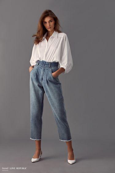 Короткие джинсовые брюки с поясом 9358194706