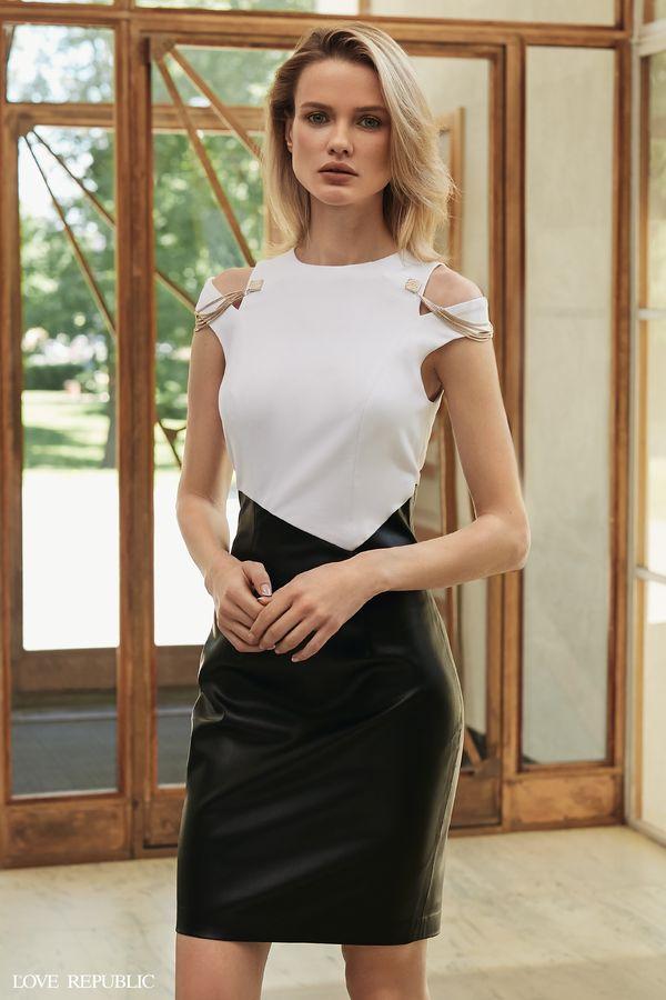 Платье-футляр из искусственной кожи с цепочками 9358312503-50
