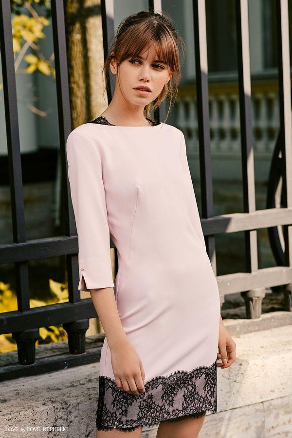 Короткое платье с тёмным кружевом  9358561559-97