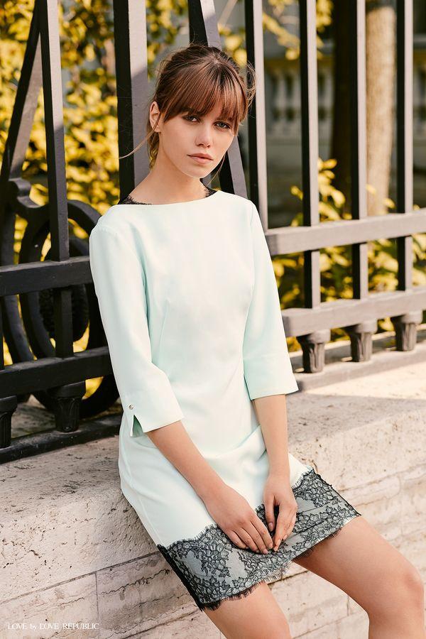 Короткое платье с тёмным кружевом 9358561572-19