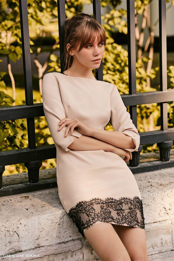 Короткое платье с тёмным кружевом 9358561572-63