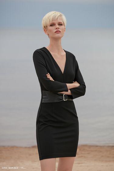 Платье с широким поясом из искусственной кожи 9358760519