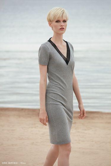 Платье миди с короткими рукавами и боковым разрезом 9358883516