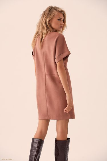 Мини-платье из песочной замши с отворотами на рукавах 9359074529