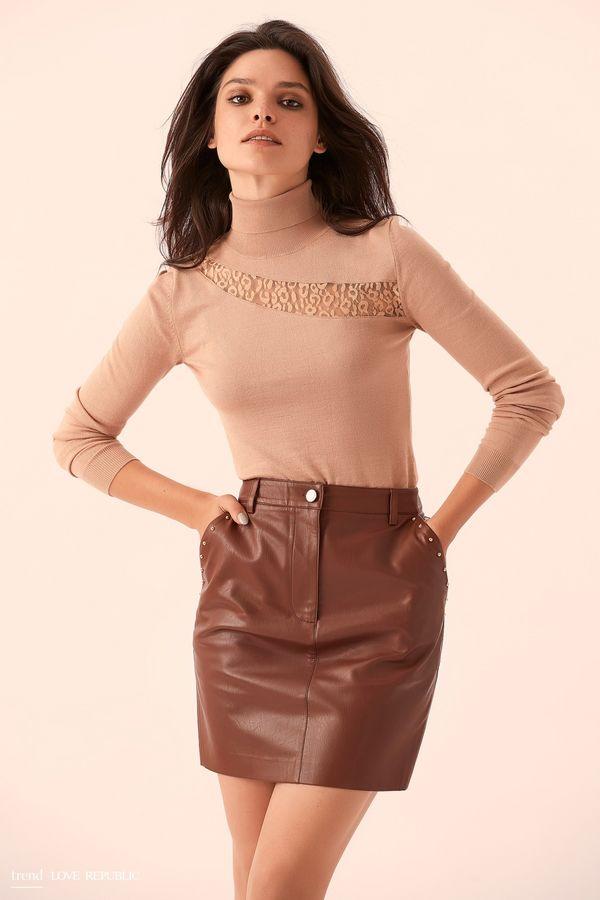 Бордовая кожаная мини-юбка с декором  9359078208-71