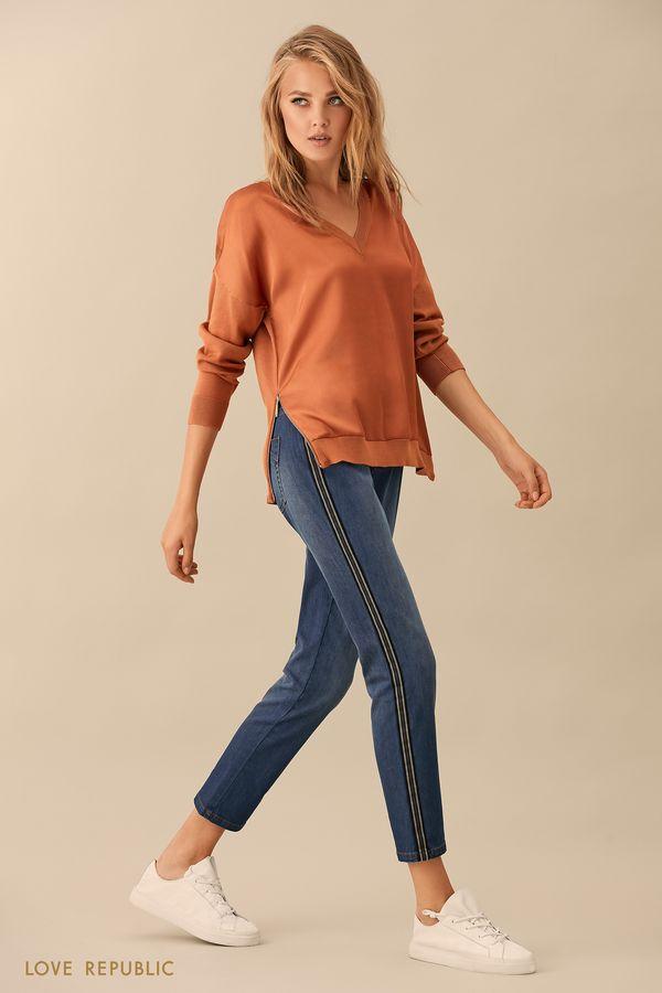 Джинсовые брюки с контрастной полосой в боковых швах 9359194734-47