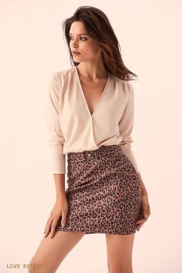 Объёмная бежевая блузка на запахе 9359751301