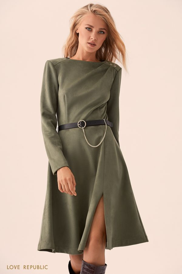 Зелёное платье с цепочкой на пряжке  93597570504-13