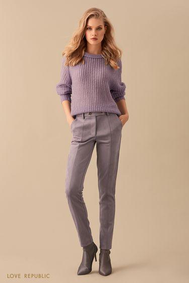 Зауженные серые замшевые брюки с рельефными швами 9450070735