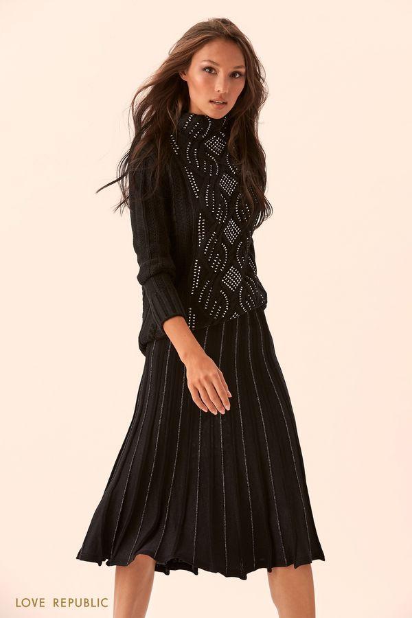 Свитер чёрного цвета с высоким воротником и блестящим декором 9450148844-50