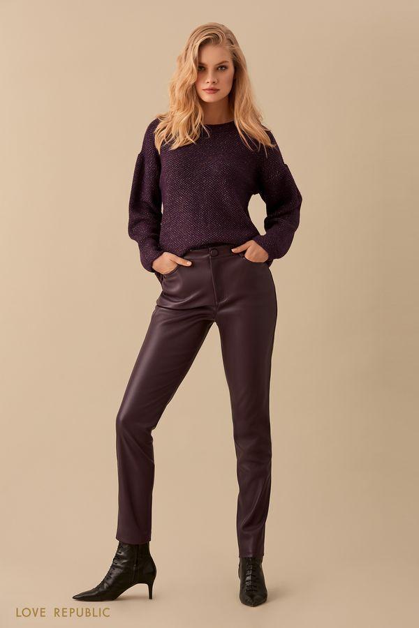 Фиолетовый джемпер со спущенным плечом и объёмными рукавами 9450163866-82