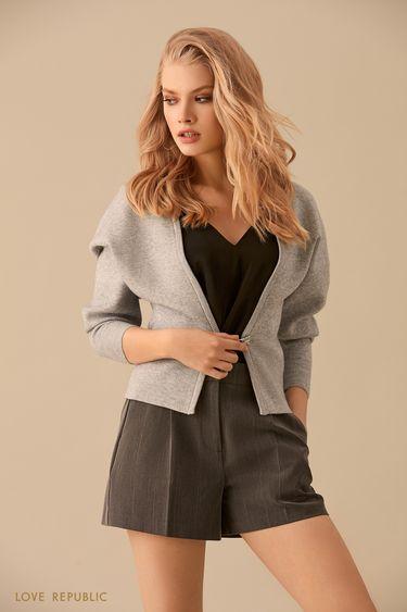 Жакет цвета серый меланж с застёжкой из металла 9450397819